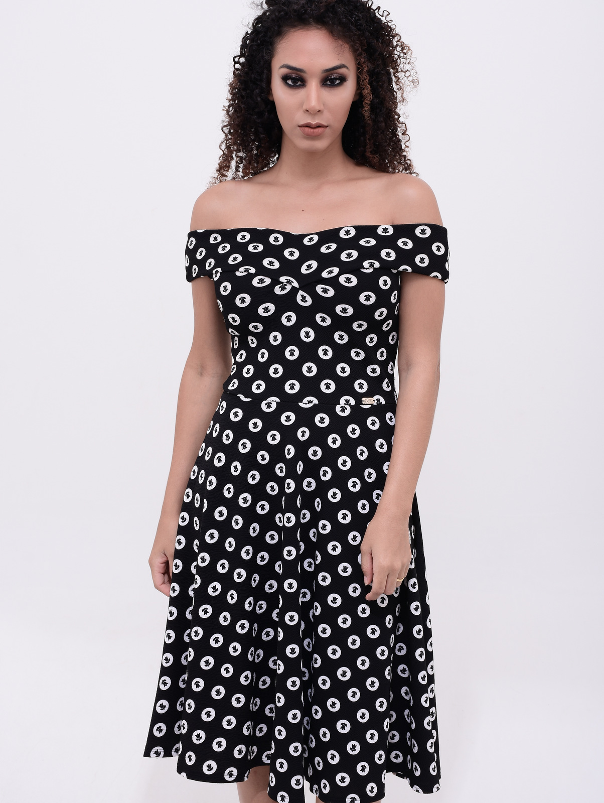 vestido retrô elegante