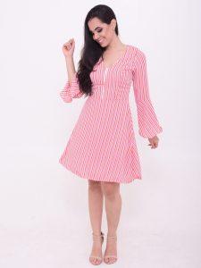 vestido rosa com saia rodada
